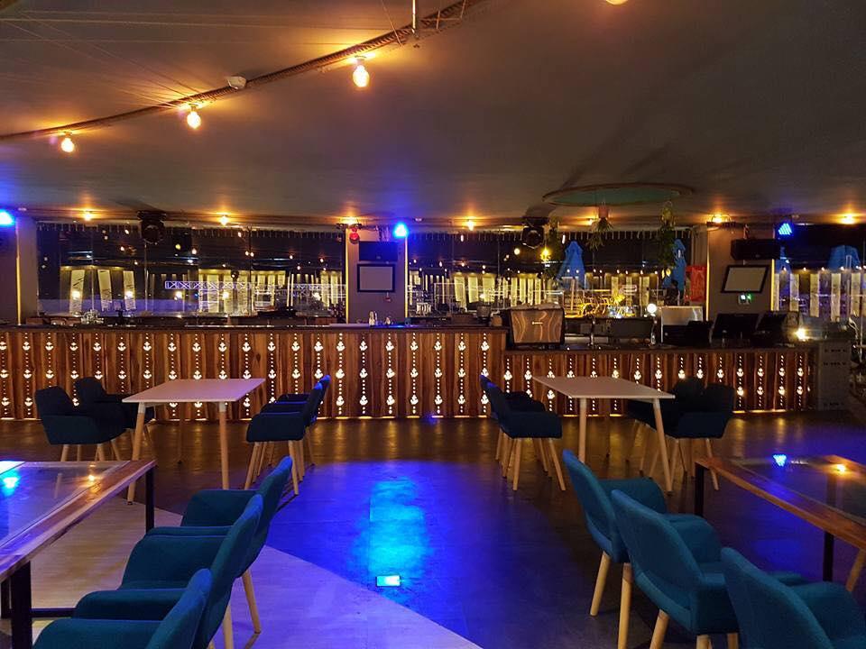 s-blue-Beach Front Bar-Cafe (9)