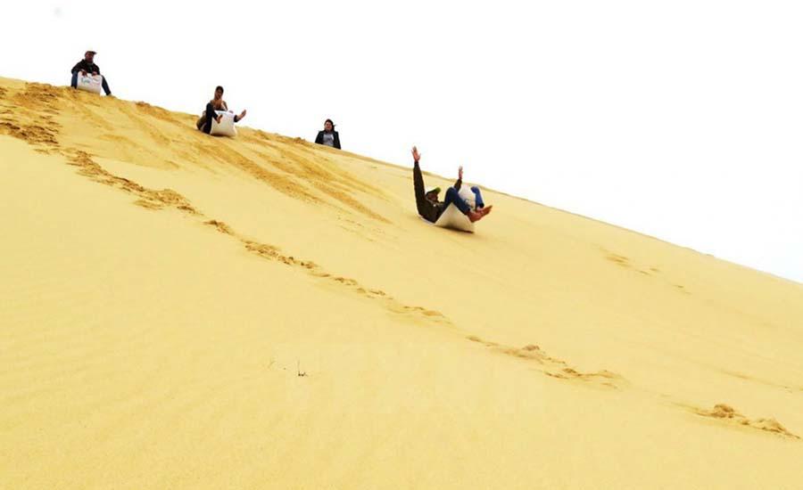 Trượt cát Quy Nhơn – Khám phá đồi cát Phương Mai Bình Định