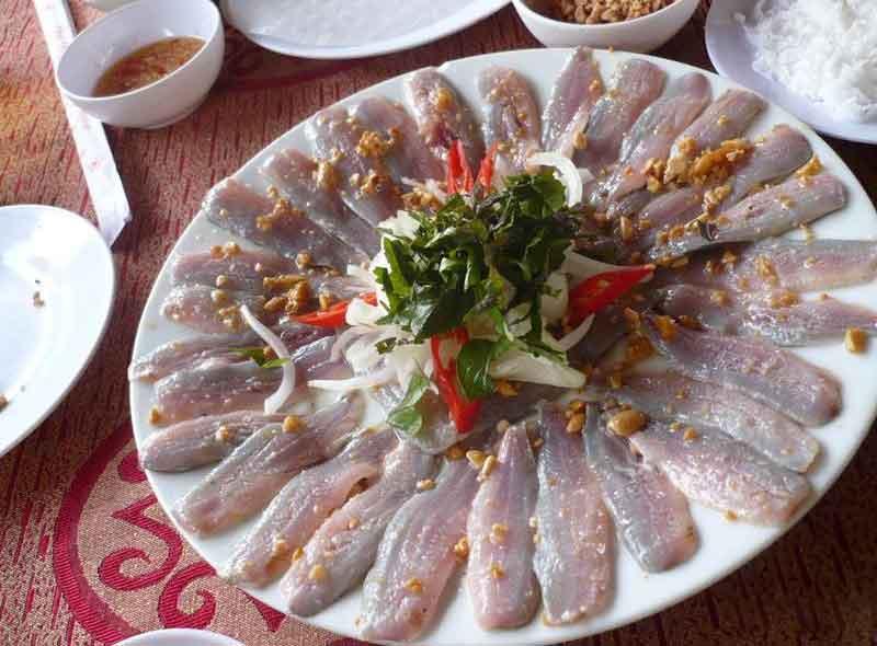 Gỏi cá chình Quy Nhơn – Món nhậu trứ danh đất Bình Định